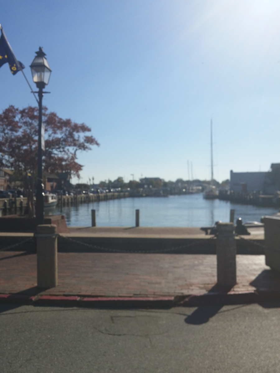 downtown-annapolis-bay-fall