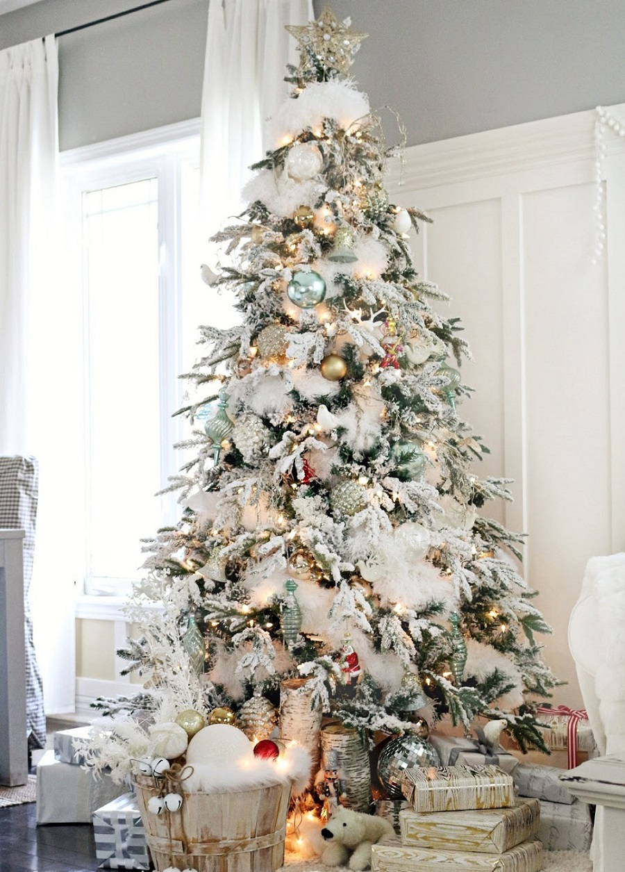 beautiful-white-gold-christmas-tree