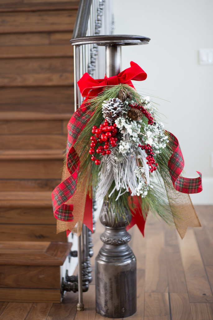 christmas-decor-railing-banister