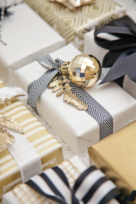 gold-black-white-gifts
