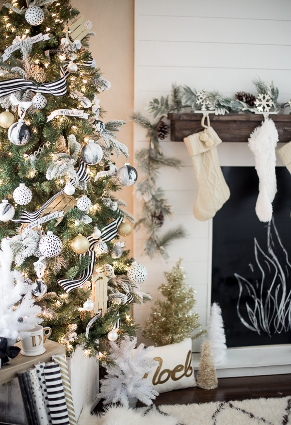 gold-black-white-green-christmas-tree