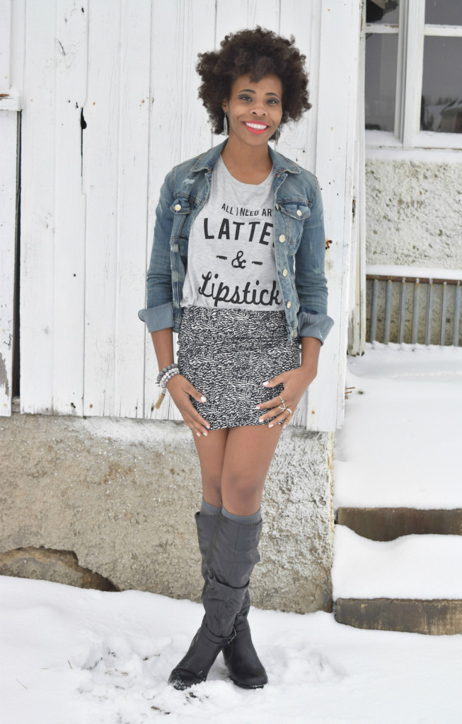 amber-shannon-lattes-lipstick-graphic-tee
