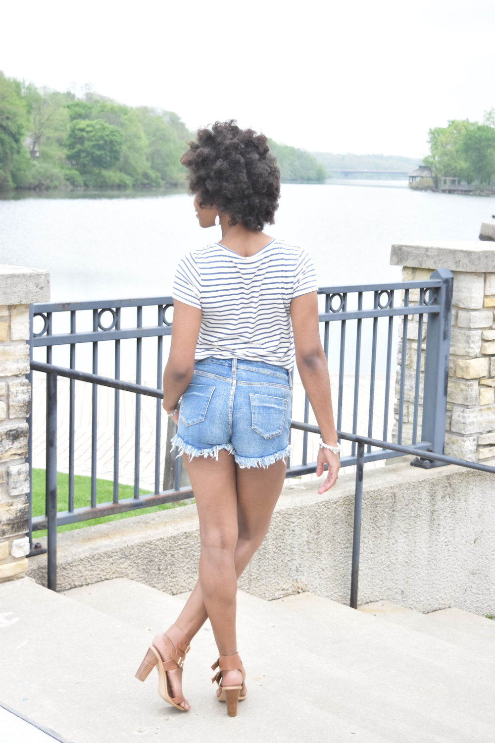 casual-style-striped-tee-back-detail