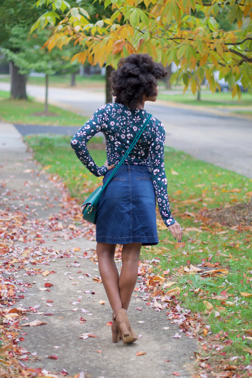 green-floral-print-in-fall