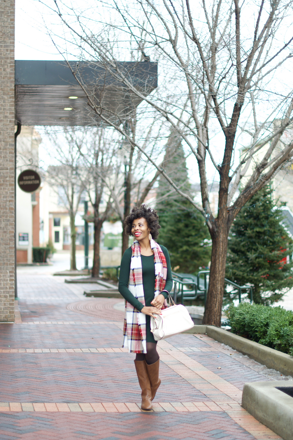 evergreen-hm-jersey-dress-holiday-style